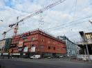 Demontáž konstrukce z fasády OC IGY