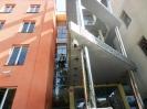 Vždy je třeba zvolit vhodné přístupové řešení, ne všechna okna se dají mýt ze žebříku nebo z plošiny
