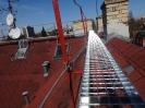 Detail hotové bezpečné lávky na střeše