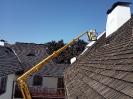 Většina střechy byla dostupná z pracovní plošiny