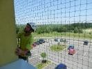 Pohled na instalaci sítě z okna paneláku